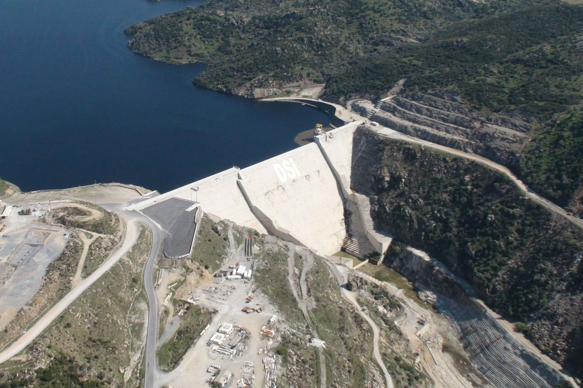 "A ""Gigantic"" Contribution to Turkish Economy by the Highest Dam in Europe"