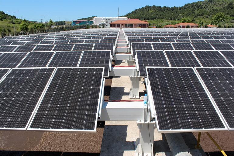 Güneş enerjisi ile kendi elektriğini üretecek ilk arıtma tesisi projesinde sona gelindi
