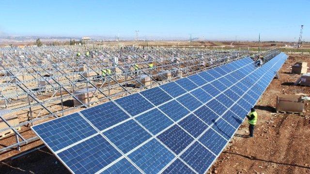 https://ekonomigercekleri.com/wp-content/uploads/2019/07/Güneş-enerjisi.jpg