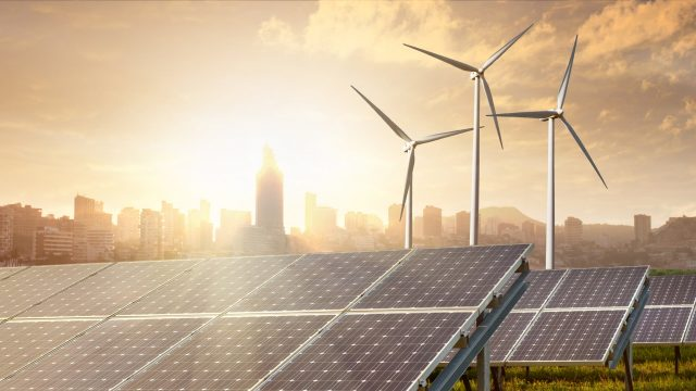 https://ekonomigercekleri.com/wp-content/uploads/2020/01/yenilenebilir-enerji-2-640x360.jpg