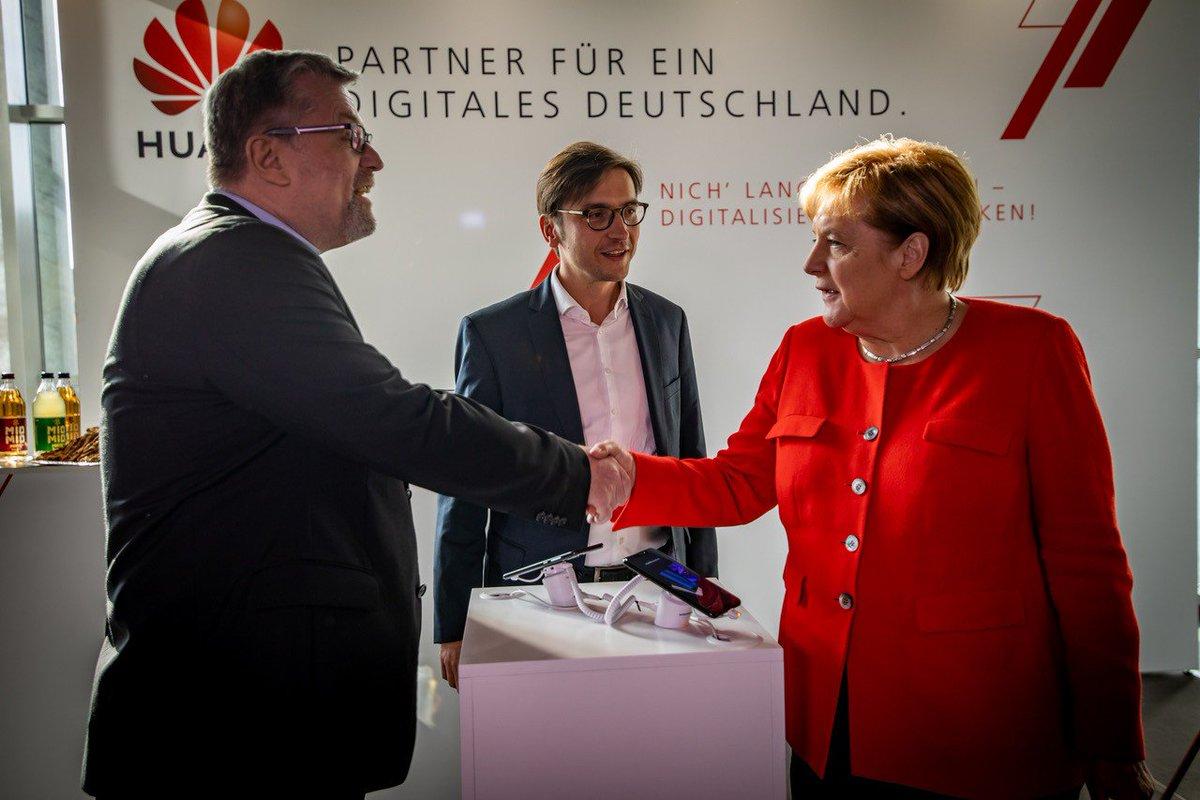 Trump Huawei yasağı için Merkel'e baskı yapmaya devam ediyor