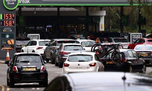 https://ekonomigercekleri.com/wp-content/uploads/2021/09/İngiltere-tedarik-krizi-benzin-savaşlari-600x360.jpeg